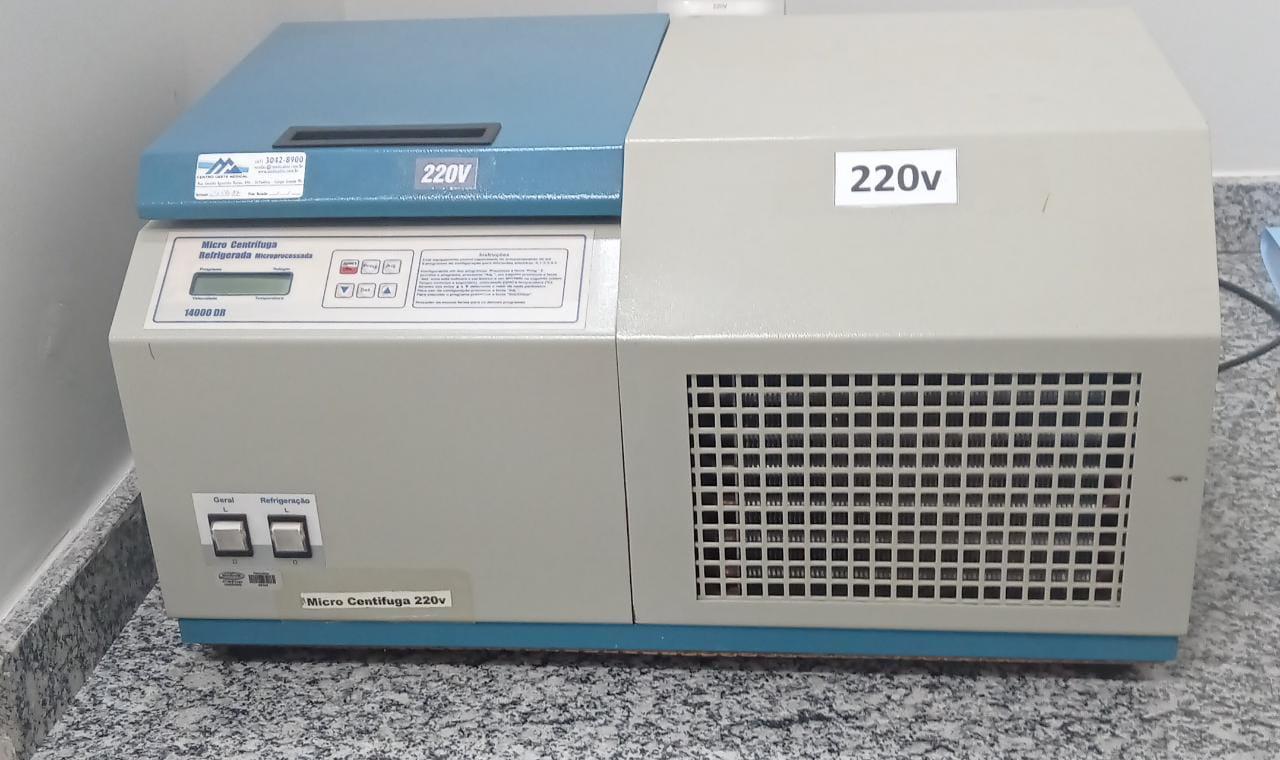 Centrifuga refrigerada microprocessada 14000DR