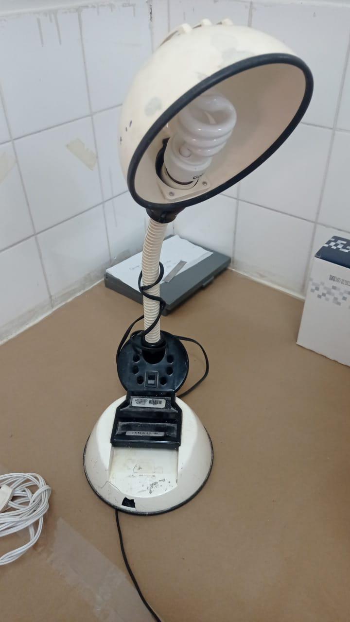 Abajur/ luminária de mesa